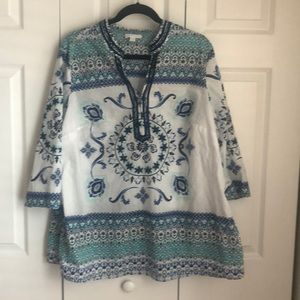 Beautiful lightweight cotton top by Charter Club!